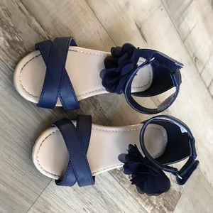 Navy blue girls shoe.